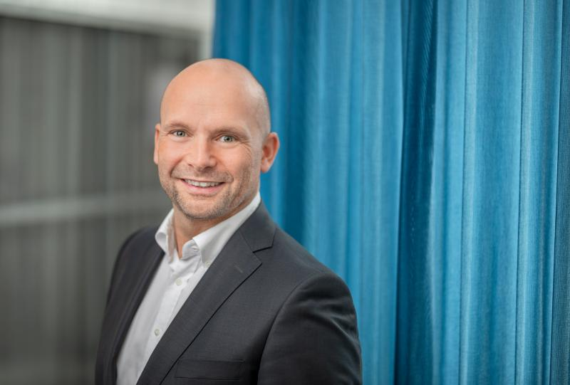 Henrik-Hjalmarsson, President and CEO